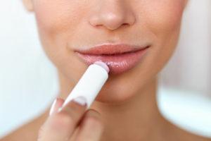 Le baume à lèvreset son utilisation