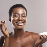 Faut-il hydrater la peau grasse ?
