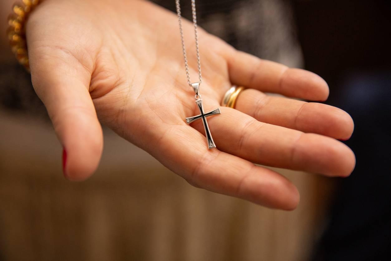 pendentif croix homme